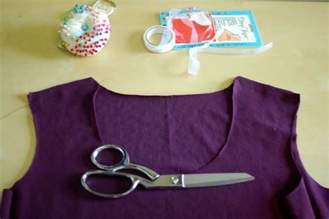 sewing shoulder seams in knitting renfrew top sewing stabilizing the shoulder seams