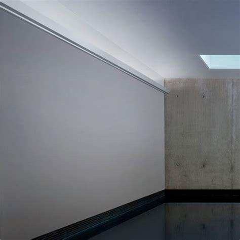 corniche moulure de plafond axxent orac decor pour eclairage indirect c358
