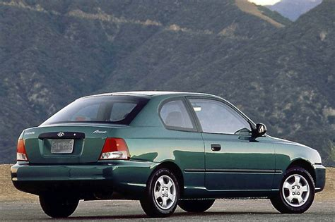 2 Door Hyundai Accent by 2000 05 Hyundai Accent Consumer Guide Auto