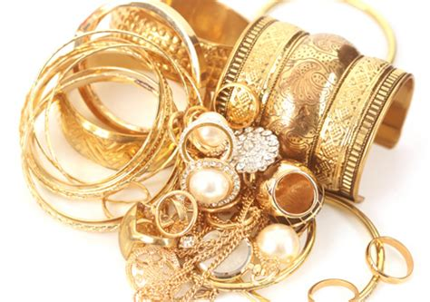 buy gold to make jewelry rethink the value of your gold jewellery