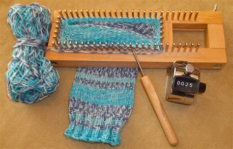 how to use a knitting loom i made socks and you can loom knitting knitting