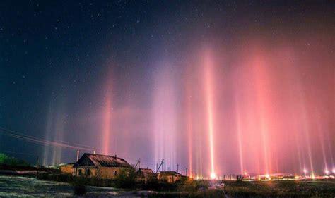 light pillars eyewitnesses stunned by light pillars appearing