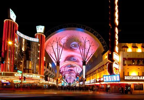 Fremont Street Light Show Hours by Fremont Street Experience In Las Vegas Old Downtown