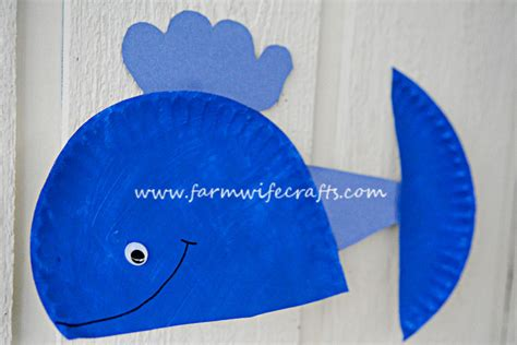 whale paper plate craft blue whale paper plate craft the farmwife crafts