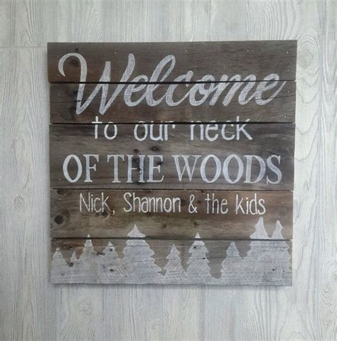 best 25 pallet signs ideas on pallet painting 25 best painted wood pallets ideas on pallet