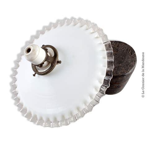 abat jour ancien opaline blanche dentel 233 e transparente