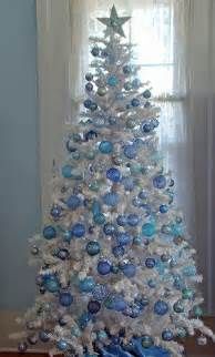 decorate a white tree how do you decorate a white tree
