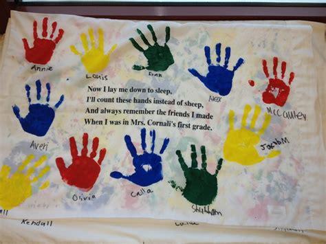 volunteer craft projects handprint pillowcases cr student gift ideas