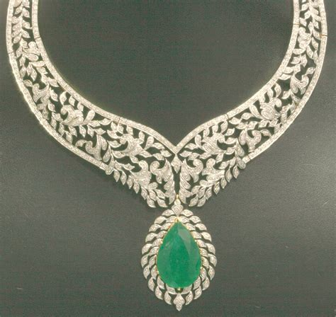 jewelry pictures emerald necklace jewelry photo 30684431 fanpop