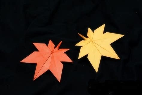 origami maple leaf pin by inkie tell on herfst autumn fall