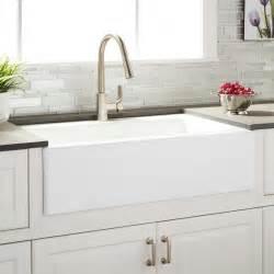 kitchen sink farmhouse 33 quot almeria cast iron farmhouse kitchen sink kitchen