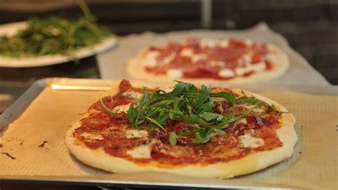 recette de pizza italienne maison facile en vid 233 o