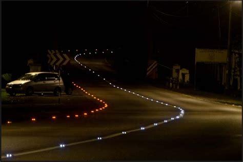 solar road light road unveils solar powered led quot cat quot cleantechnica