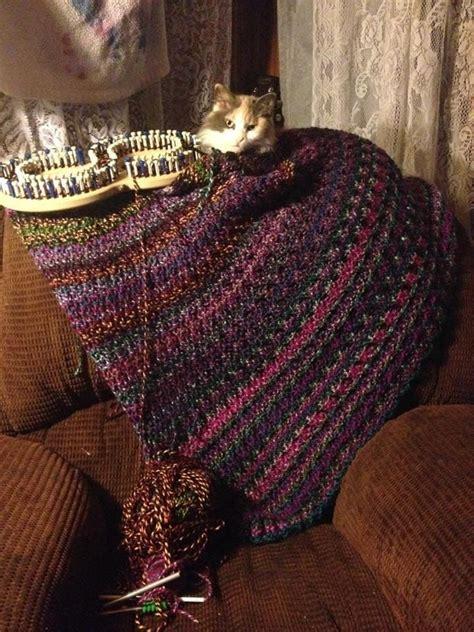 loom knitting patterns blanket 25 best ideas about loom knitting blanket on