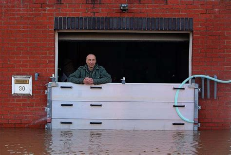 Garage Door Flood Barrier Flood Barrier Working During Flood