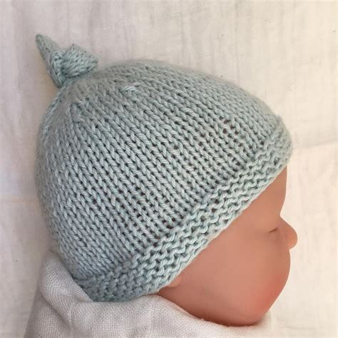 newborn knit hats best 25 knit baby hats ideas only on knitted