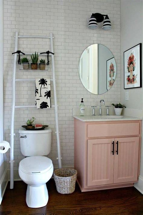 small bathroom ideas for apartments 25 best ideas about apartment bathroom decorating on