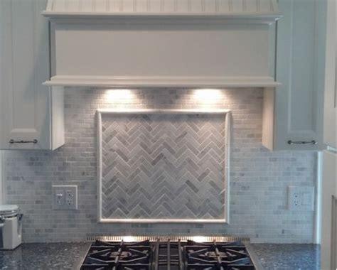 carrara marble kitchen backsplash 25 best ideas about marble mosaic on polished