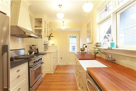 ideas for a galley kitchen useful tips for painting kitchen cabinets