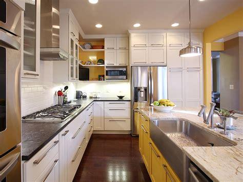 best paint to paint kitchen cabinets best way to paint kitchen cabinets the best way to paint