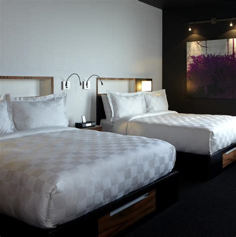 two beds make alt toronto airport two beds alt hotel toronto airport
