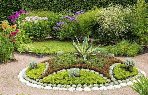 backyard planter ideas 20 gorgeous plant garden ideas for your backyard housely