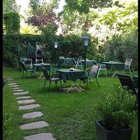 Der Garten Lokal Wien by Sommerabend Wiens Sch 246 Nste G 228 Rten Und Innenh 246 Fe Wienerin