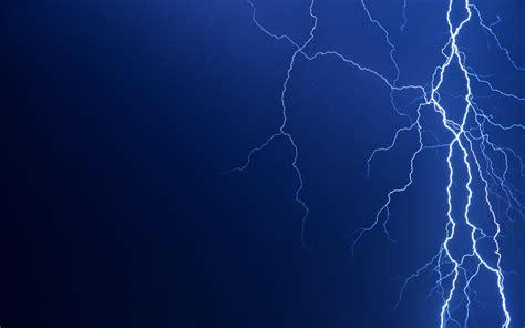 thunder in use lighting thunder wallpaper laptop backgrounds 8576