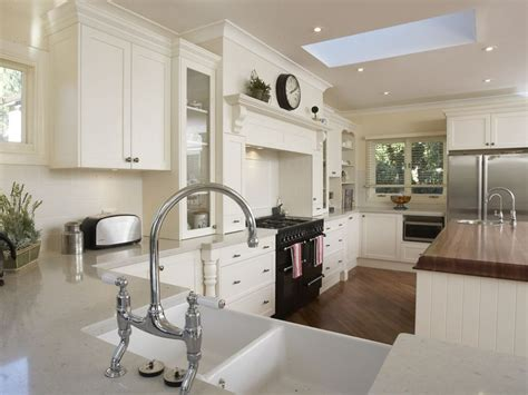 white cabinet kitchen pictures antique white kitchen cabinets pictures best kitchen places