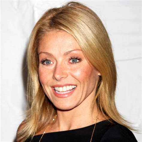 what device does ripa use on hair what type of shoo does kelly ripa use