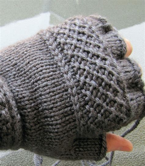 knitting gloves in the linen stitch knitting tutorial and patterns stitch