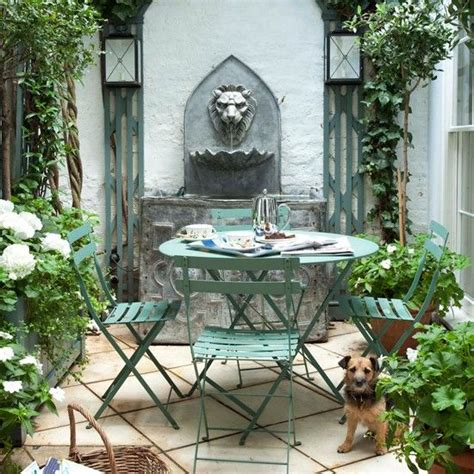 patio ideas for small gardens 1000 ideas about small water features on