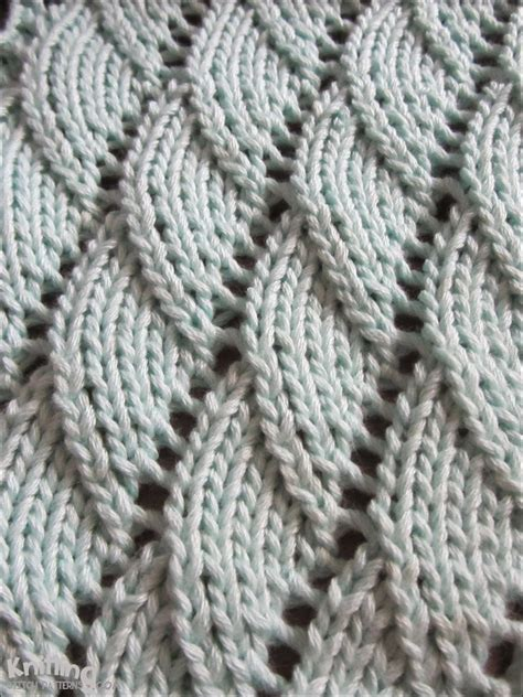 knit in overlapping waves knitting stitch patterns