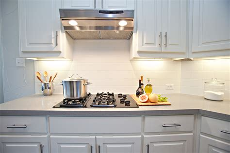 pictures of subway tile backsplashes in kitchen white subway tile backsplash
