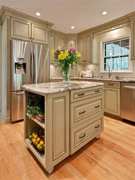 small island kitchen 25 best ideas about small kitchen islands on