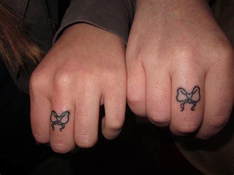 25 perfect matching tattoo design ideas entertainmentmesh