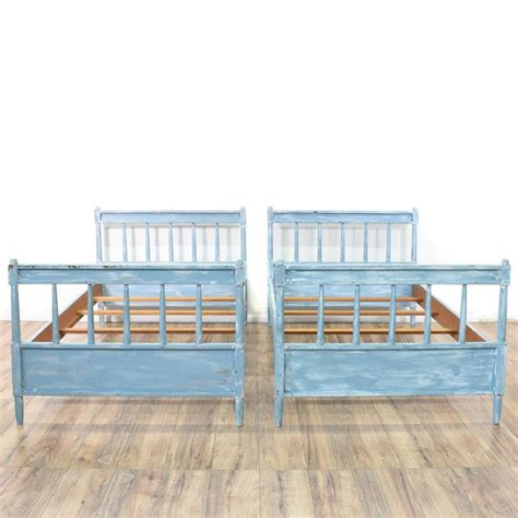 chalk paint bed frame the 25 best ideas about chalk paint bed on