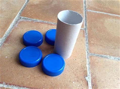 comment faire une voiture avec un rouleau de papier toilette avec des rouleaux