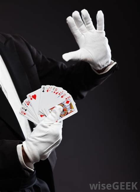 card magic what are the different types of magic tricks with pictures