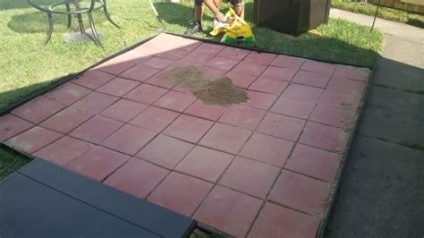 how to patio pavers 4 easy ways to install patio pavers with pictures
