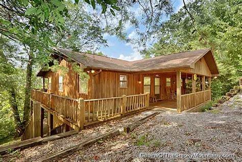 10 bedroom cabins in gatlinburg 10 bedroom cabin gatlinburg tn large 8 12 br cabins in