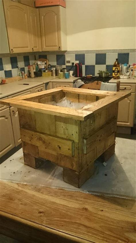 pallet planter boxes pallet flower planter box