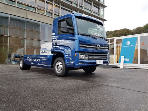 New Volkswagen Truck by Volkswagen S New E Delivery Electric Truck Will Go On Sale