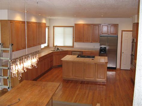 paint colors for a kitchen with oak cabinets kitchen paint colors with oak cabinets ideas