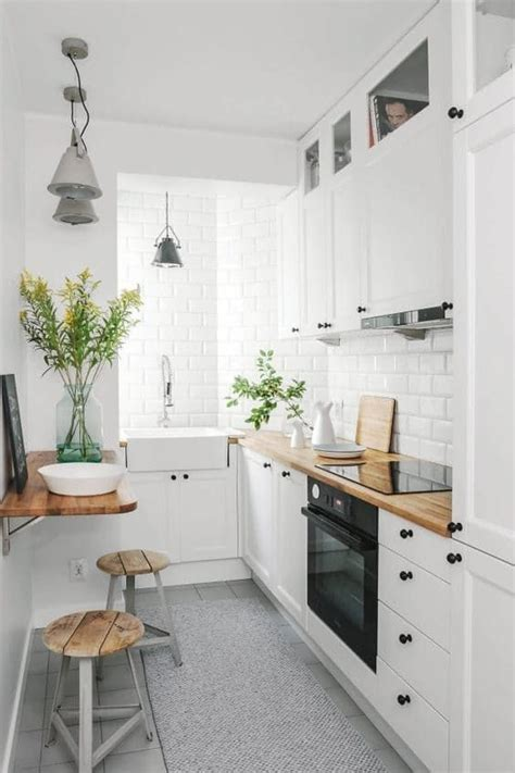 ideas for small galley kitchens best 25 small kitchens ideas on small kitchen