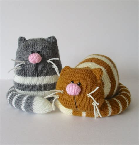 cat knitting 15 purrsome cat breeds that behave like dogs the catdogs