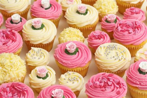 cupcakes and buy wedding cakes from lola s cupcakes