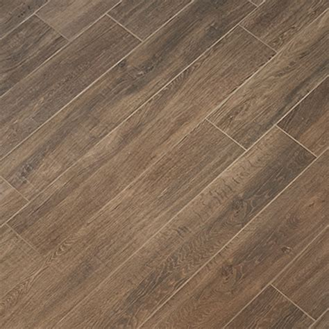 Carpet That Looks Like Wood Planks by Tile Look Like Wood Porcelain Tile Dolce Wood Look