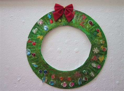 paper plate wreath crafts rhyme time crafts for toddlers