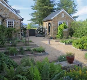 garden gravel ideas best 25 pea gravel garden ideas on gravel